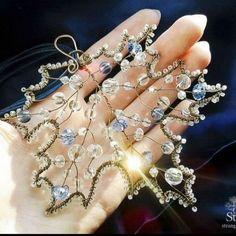 Me gusta, 8 comentarios – Handmade IdeasManual ( … - DIY Schmuck Wire Wrapped Jewelry, Wire Jewelry, Beaded Jewelry, Handmade Jewelry, Jewellery, Beaded Crafts, Wire Crafts, Jewelry Crafts, Wire Ornaments