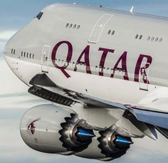 Qatar 747 blasting out with incredible wing flex! Arguably one of the best 747 photos out there! 🙌🏼✈️ Photo by Day Boeing 747 8, Boeing Aircraft, Passenger Aircraft, Airbus A380, Commercial Plane, Commercial Aircraft, Aviation World, Civil Aviation, Photo Avion