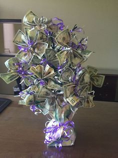 Money Bouquet Discover Money Tree Retirement I made this for my co-worker. Money Rose, Money Lei, Money Origami, Gift Money, Cash Money, Money Bouquet, Creative Money Gifts, Money Flowers, Folding Money