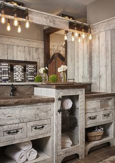 There are not many individuals who are into the rustic farmhouse bathroom design. That may be brought about by the rustic impression from the bathroom. However, this sort of design can be something… Rustic Bathroom Lighting, Rustic Bathroom Designs, Rustic Bathroom Vanities, Modern Farmhouse Bathroom, Rustic Farmhouse, Bathroom Ideas, Rustic Lighting, Vanity Bathroom, Lighting Ideas
