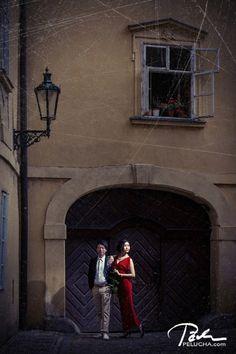 Art Prewedding photo shoot in prague #prague #prewedding