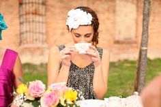 ENGLISH TEA PARTY HATS CAN RANGE FROM THIS FASCINATOR, TO THE BIG FULL BRIMMED AND ALWAY FANCY HATS.