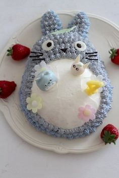 Totoro birthday cake ¡SO CUTE! Totoro, Beautiful Cakes, Amazing Cakes, Anime Cake, Kawaii Dessert, Festa Party, Cute Cakes, Cute Food, Let Them Eat Cake