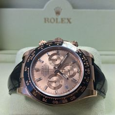 Love the dial on this Rose gold Rolex Daytona