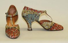 Amazing shoes by Parisian shoemaker Ducerf Scavini look as though they were painted by Seurat, circa 1930.