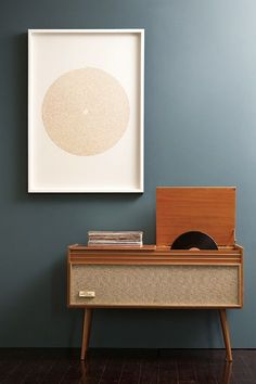 Minimal doesn't mean white. Well, not all the time. Read more... m i n i m a l - The Room Artist Blog