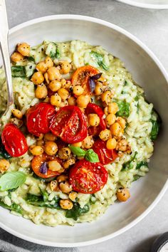 Pesto Risotto, Roasted Tomatoes & Chickpeas - Vegan & Gluten-Free - Crumbs & Caramel Vegan Risotto, Vegan Pesto, Raw Vegan, Whole Food Recipes, Cooking Recipes, Cooking Rice, Cooking Chef, Roast Recipes, Burger Recipes
