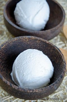 Tropical coconut ice cream - easy, vegan, what more do you want ;-)