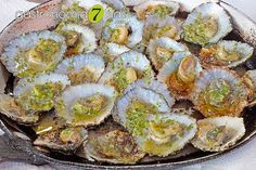 Las Lapas: The Barnacles have a thick conical shell gray, oval opening and numerous radial ribs. The interior of the shell is white and the maximum size reaches 11 cm. Either they consumed as incoming raw with a squeeze of lemon or, in the most ordinary way, grilled on a Carmela, and so are presented at the table, accompanied by green sauce.