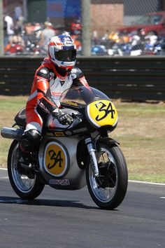 Kevin Schwantz #34. Sydney Motorsport, Eastern Creek, 2016.