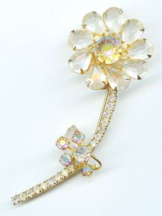 STRIKING Vintage JULIANA DeLizza And Elster Clear Crystal Flower Pave Stem Wire Over Brooch Pin