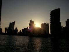 Sunset, cartagena Willis Tower, New York Skyline, Sunset, Building, Travel, Cartagena, Colombia, Viajes, Buildings