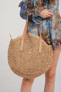 Raffia Straw Round Woven Beach Bag - Fushion News Round Bag, Straw Tote, Boho Bags, Basket Bag, Denim Bag, Lana, Tote Bag, Beach Bags, Bag Patterns