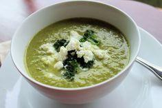 Baja en calorías y cargada de fibra y vitaminas: sopa de brócoli con queso de cabra (RECETA) | ¿Qué M.