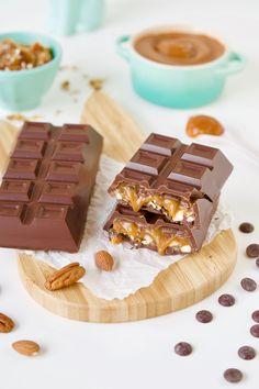 Praline Chocolate, Chocolate Sweets, Chocolate Shop, Fun Baking Recipes, Dessert Recipes, Desserts, Chocolate Bouquet Diy, Chocolate World, Chocolate Pictures
