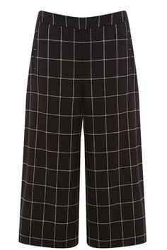 These pair of on-trend culottes feature a high waist, tailored cut, two side pockets, wide legs and all-over check design #WAREHOUSEWISHLIST
