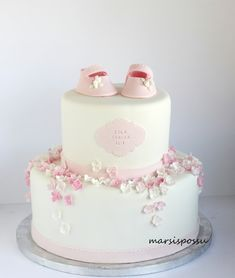 Christening Cake Girls, Baby Girl Baptism, Girly Cakes, Pink Showers, New Cake, Baby Party, Pretty Cakes, Cake Creations, Fondant Cakes