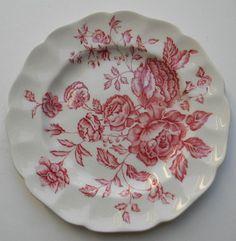 Risultati immagini per old red and white christmas dishes