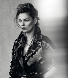 Here's What Kate Moss Looks Like Without Photoshop Photo: Peter Lindbergh for 'Vogue' Italia Peter Lindbergh, Photo D Art, Foto Art, Photoshop Photos, No Photoshop, Ella Moss, Vogue, Kate Moss Stil, Viviane Sassen