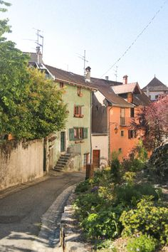 Annecy France, France 3, Beautiful Places To Travel, Northern Italy, Travel Aesthetic, France Travel, Travel Photography, Scenery, Places To Visit