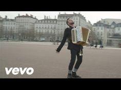 Claudio Capéo - Un homme debout (clip officiel) - YouTube