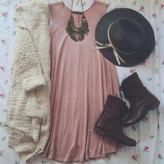 Connie of @Litorandomz styles the Aspen Sweater! Love it! #FevrieFashion