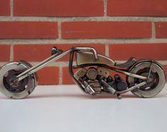 Escultura en metal reciclada.