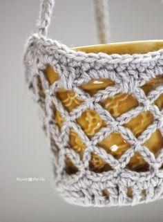 Crochet Flower Pot Hanging Basket - Repeat Crafter Me