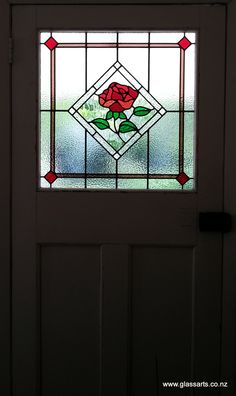 Traditional Lead light window with rose, in Bungalow door @ Glassarts Design Auckland Led Light Design, Tiffany Glass, Stained Glass Panels, Stained Glass Projects, Window Treatments, Bungalow, Glass Art, Doors, Rose Patterns