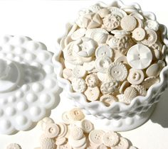 Candy Buttons Edible Sugar Vintage Inspired Buttons 50 -by Andie's Specialty Sweets. $37.50, via Etsy.    You can eat these.........