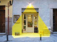 luce e design: l'installazione gialla - fos
