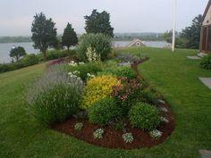 parterre-fleurs-idées-jardin-îlot-isolé