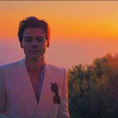 Orange Aesthetic, Aesthetic Vintage, Aesthetic Photo, Aesthetic Clothes, Foto One, One Direction Photos, Harry Styles Wallpaper, Harry Styles Pictures, Mr Style