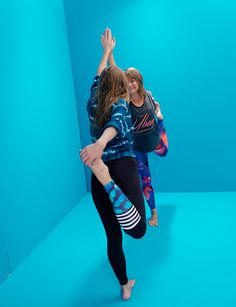 FLIEGEN LERNEN: ACRO YOGA – INTERVIEW MIT LUCIE BEYER on http://peppermynta.de/2016/09/15/acro-yoga-interview-lucie-beyer/    Fotos: Florian Grill Haare & Make-Up: Lisa Scharff Styling: Lesley Sevriens Yogis: Lucie Beyer & Jörg Jungwirth Fotoassistenz: Mana Komiyama