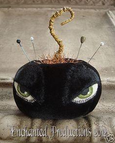 PFATT Primitive Folk Art Halloween Pumpkin Pincushion by Joyce Stahl EHAG