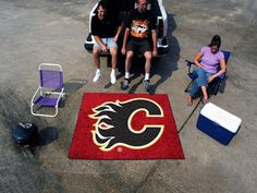 Show team pride, color and logos in your man cave, office, or tailgating spot with the University of Oklahoma Tailgater rug by Fan Mats. The Tailgater measures Denver Broncos, Seattle Seahawks, Broncos Logo, Broncos Apparel, Seahawks Gear, Patriots Logo, Houston Texans, Dallas Cowboys, Nfl Dallas