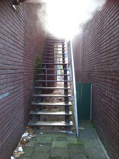 Brand trap voorzichtig af