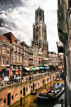 Utrecht, Holland - The Netherlands Utrecht, Kingdom Of The Netherlands, Holland Netherlands, Great Places, Places To See, Beautiful Places, Leiden, Europa Tour, Belle Villa