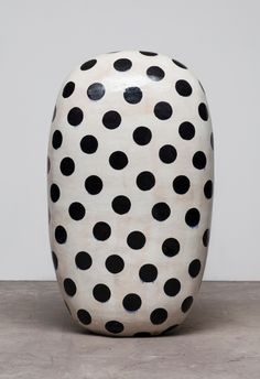 Impressed dots and stained w underglaze: Jun Kaneko: Black & White at Bentley Gallery,. Abstract Sculpture, Sculpture Art, Sculptures, Design Movements, Arts And Crafts Movement, Contemporary Ceramics, Black And White Colour, Ceramic Artists, White Ceramics