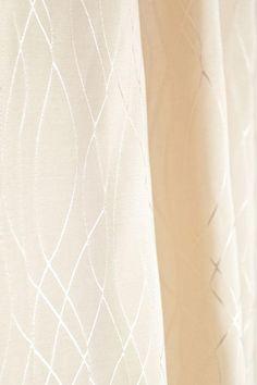 deluxe wei duschvorhang gl nzende applikationen. Black Bedroom Furniture Sets. Home Design Ideas