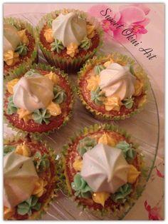 """2017.03.11 - Cupcakes """"Délice Citron/Passion"""" Mini Cake Citron, cœur en Lemon curl, top en Meringue fruit de la passion et crème de chocolat blanc"""