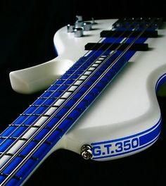 Bass Guitar Bags And Cases Bass Guitar Fretboard Note Stickers Guitar Hero, Guitar Rig, Guitar Shop, Cool Guitar, Acoustic Guitar, Bass Guitars, Electric Guitars, Guitar Chords, Unique Guitars