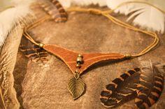 Cuero collar gargantilla de hoja encanto joyas por Nomadu en Etsy