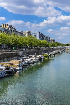 20 must-visit spots in the trendy hot spot of Canal Saint Martin, Paris.