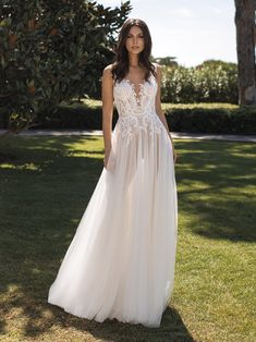 10 Wedding Dress Designers You Want To Know About ❤ wedding dress designers a line with straps lace country pronovias Making A Wedding Dress, Perfect Wedding Dress, Dream Wedding Dresses, Designer Wedding Dresses, Bridal Dresses, Party Dresses, Pronovias Wedding Dress, Couture Wedding Gowns, Tulle Gown