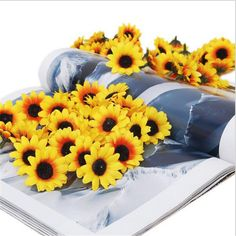 100pcs Lifelike Artificial Plastic Flower Yellow Sunflower Heads Home Party Wedding Decorations Prop
