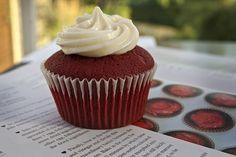 Image via We Heart It https://weheartit.com/entry/142611014/via/13802995 #cake #cupcake #food #frosting #Redvelvetcake #sweet