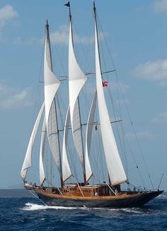 Yacht Boutique Crewed Boat, Yacht, and Gulet Charter Italy Used Sailboats, Buy A Boat, Boat Hire, Boat Rental, Bateau Pirate, Sailing Holidays, Classic Yachts, Used Boats, Sail Away