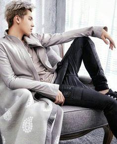 Chinese singer, rapper, actor and model Kris Wu Kris Wu, Tao Exo, Chanyeol, Wu Yi Fan, Exo Korean, Kim Minseok, Kpop, Celebs, Celebrities