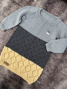 Ravelry: Hipster Sweater Dress pattern by Randi Hjelm Pop Punk Fashion, Lolita Fashion, Baby Boy Outfits, Outfits For Teens, Teens Clothes, Emo Dresses, Party Dresses, Fashion Dresses, Punk Rock Outfits